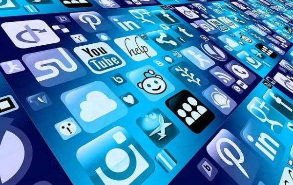 TOP 4 SOCIAL MEDIA AD PLATFORMS FOR SMALL BUSINESSES